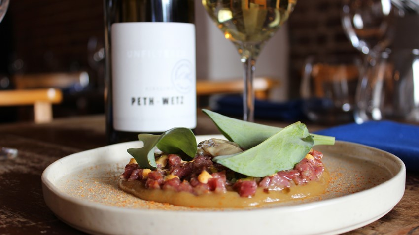 Peth-Wetz Unfiltered Riesling and lamb tartare